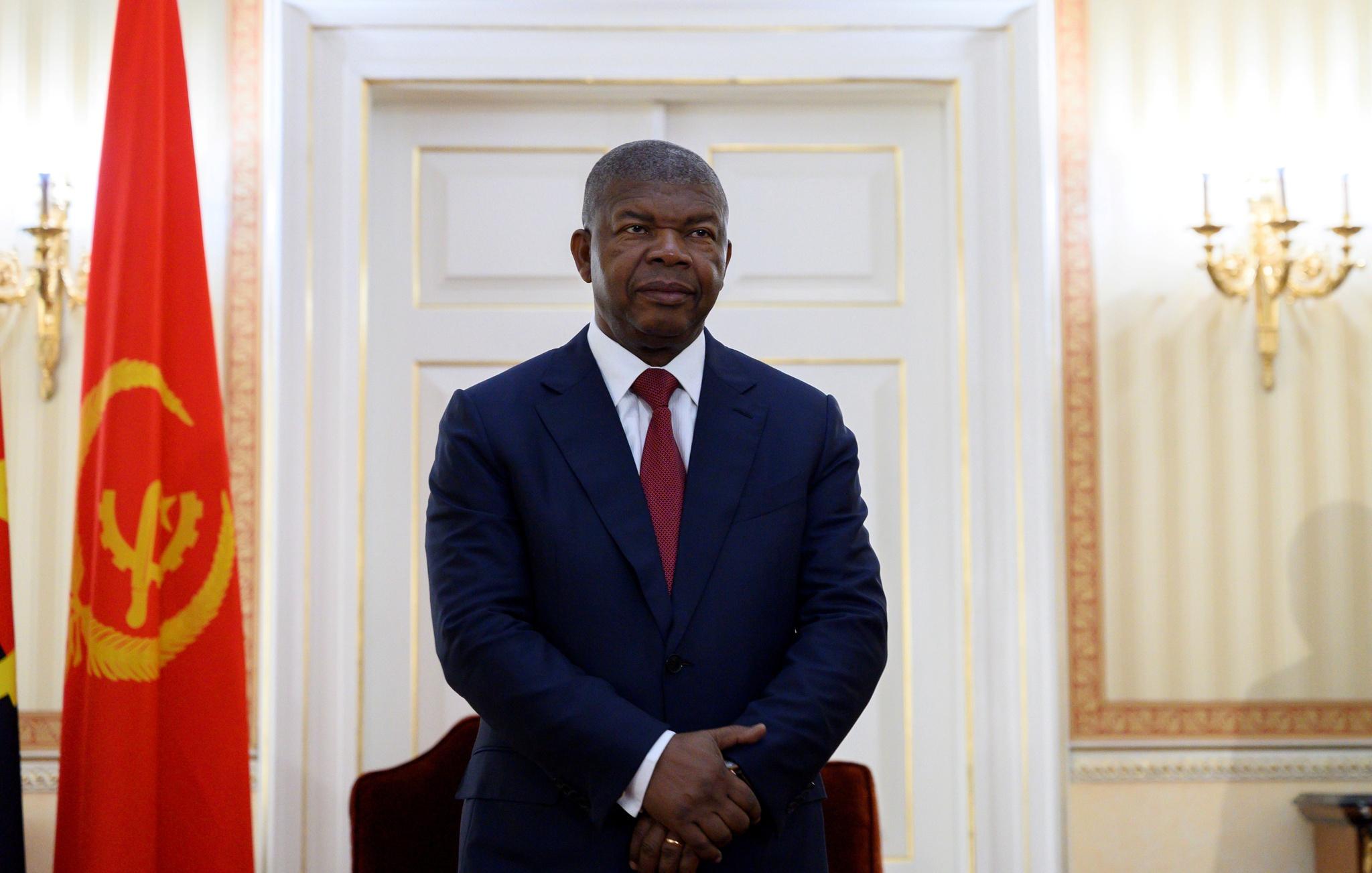 Presidente da República continua a promover a corrupção através da contratação simplificada