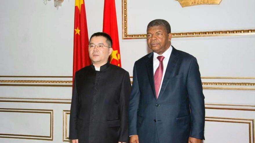 China promete continuar a mobilizar investimento para Angola
