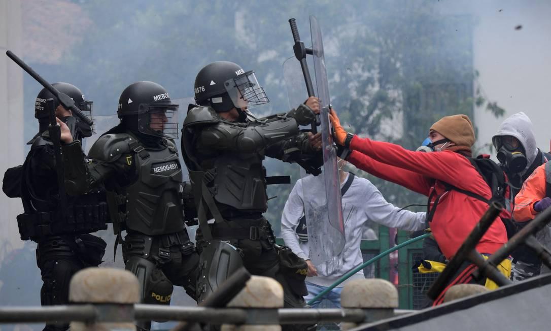 ONU condena uso excessivo de força da polícia em protestos na Colômbia