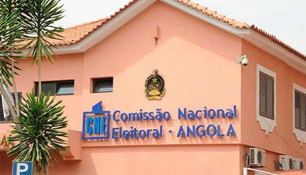 CNE garante participação dos cidadãos com deficiência visual introduzindo votos em braile pela primeira vez